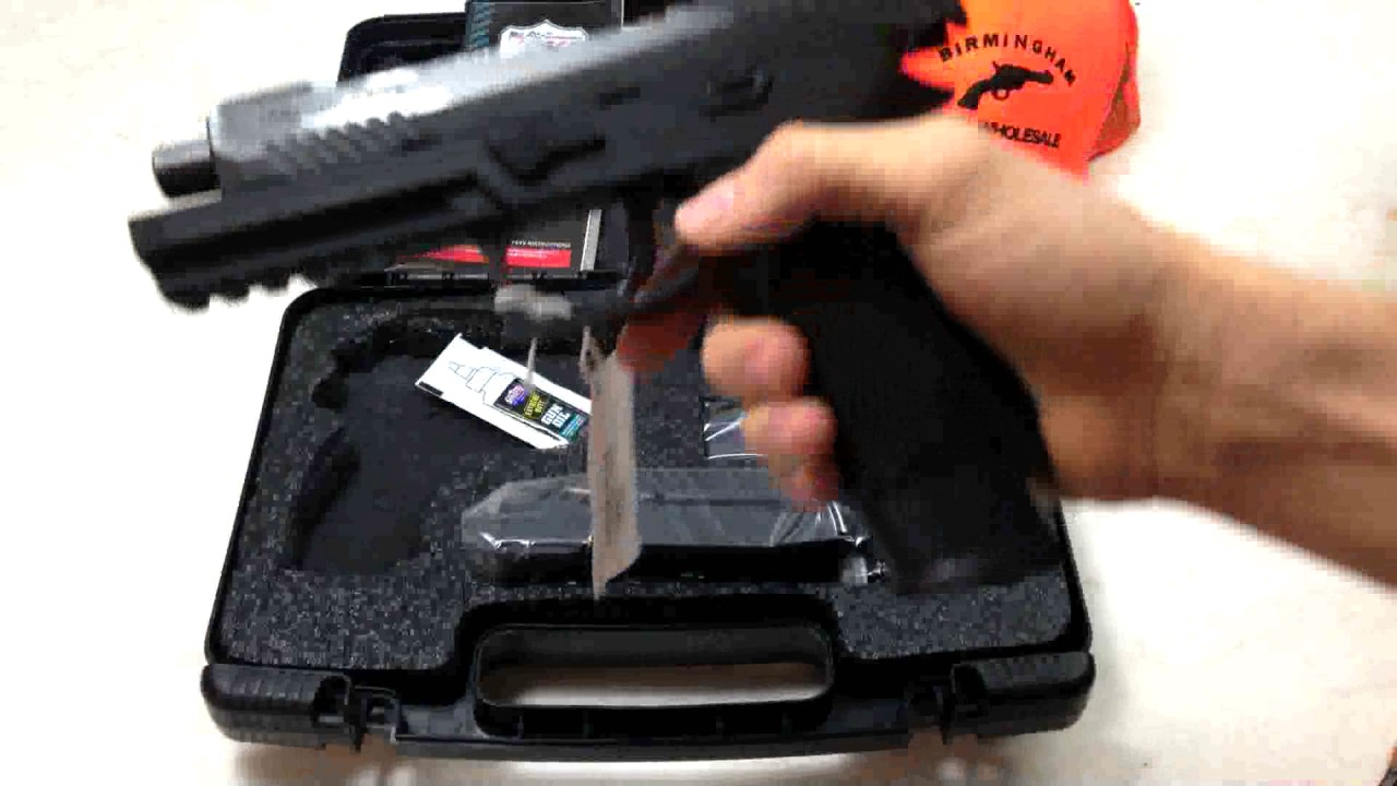 Sig Sauer 320 Full Size TacOps | What's in the Box?