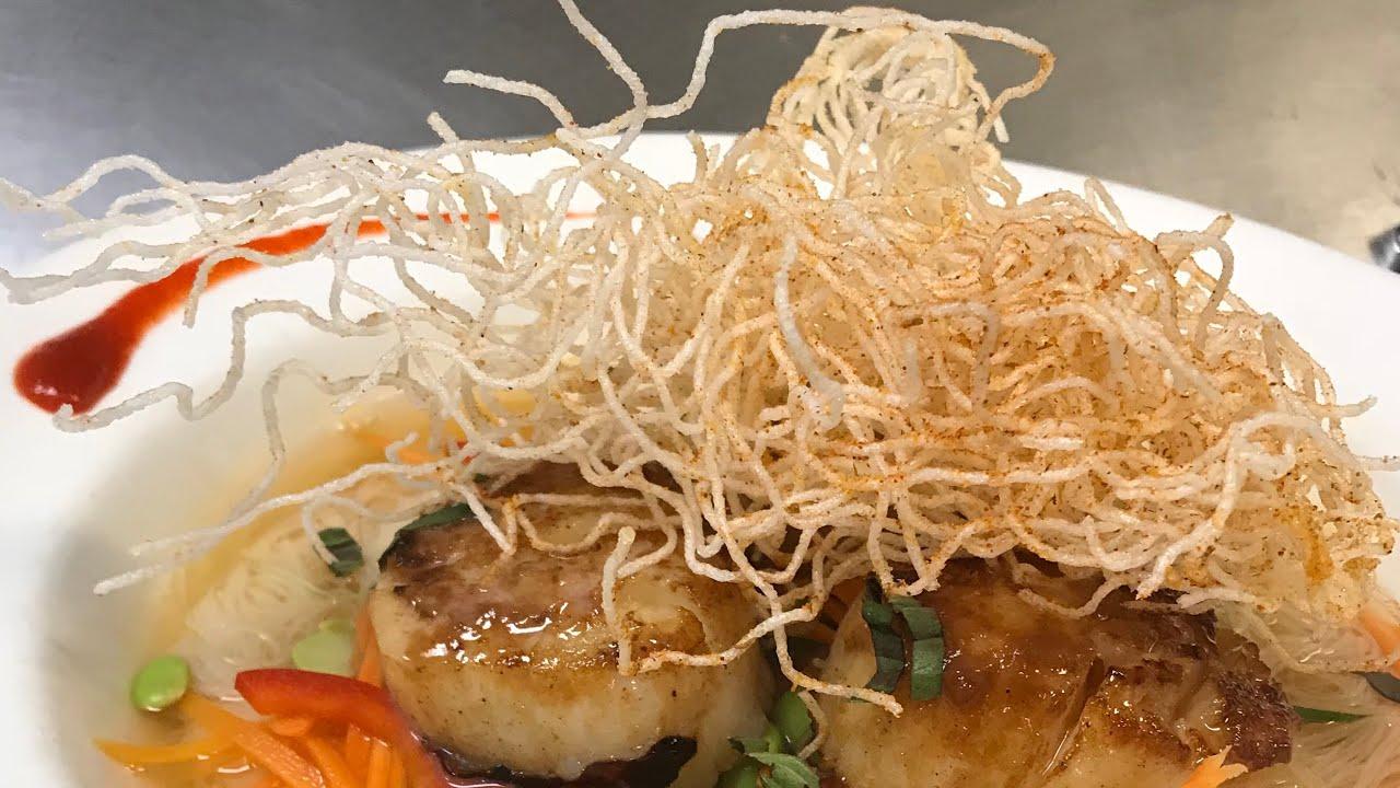 Cajun puffed rice noodles