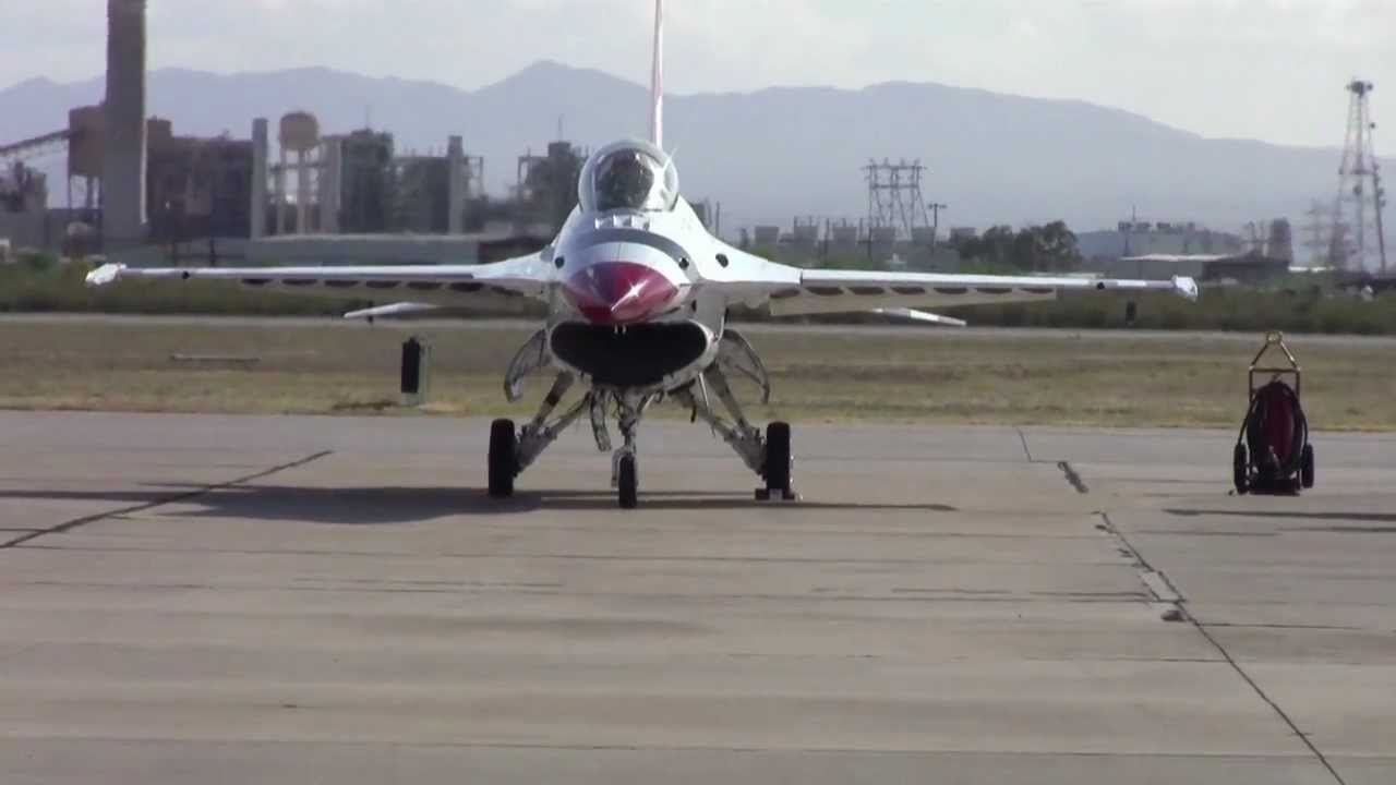 Sound of Freedom - Thunderbirds perform maneuvers at Air Show - Part 4