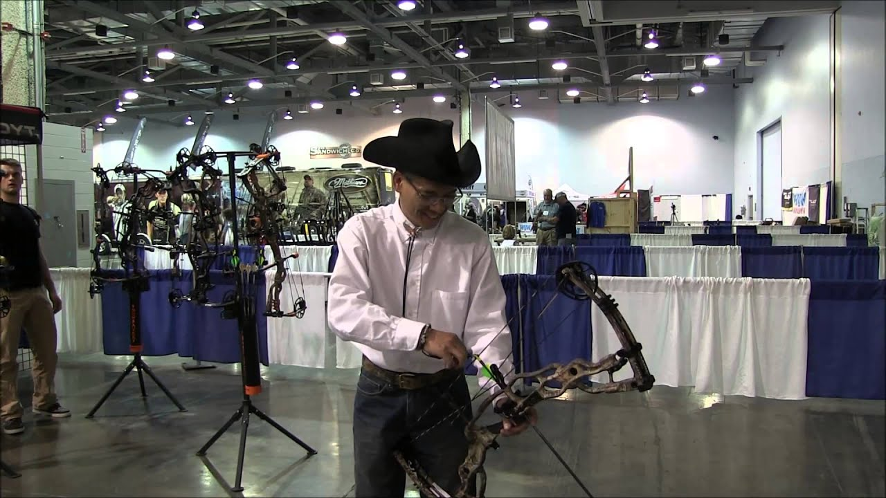 2014 Bowhunting Supershow Hoyt Carbon Spyder 34