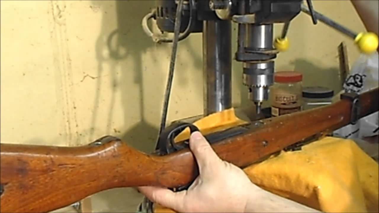 Type 99 Arisaka easy rusted screw removal and what 75+ years of build up look like. *
