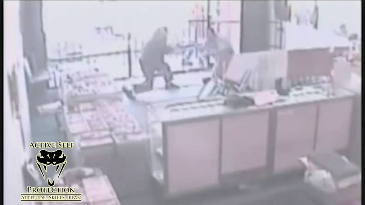 Elderly Store Owner Fights Off Armed Robbers Who Pepper Sprayed Him