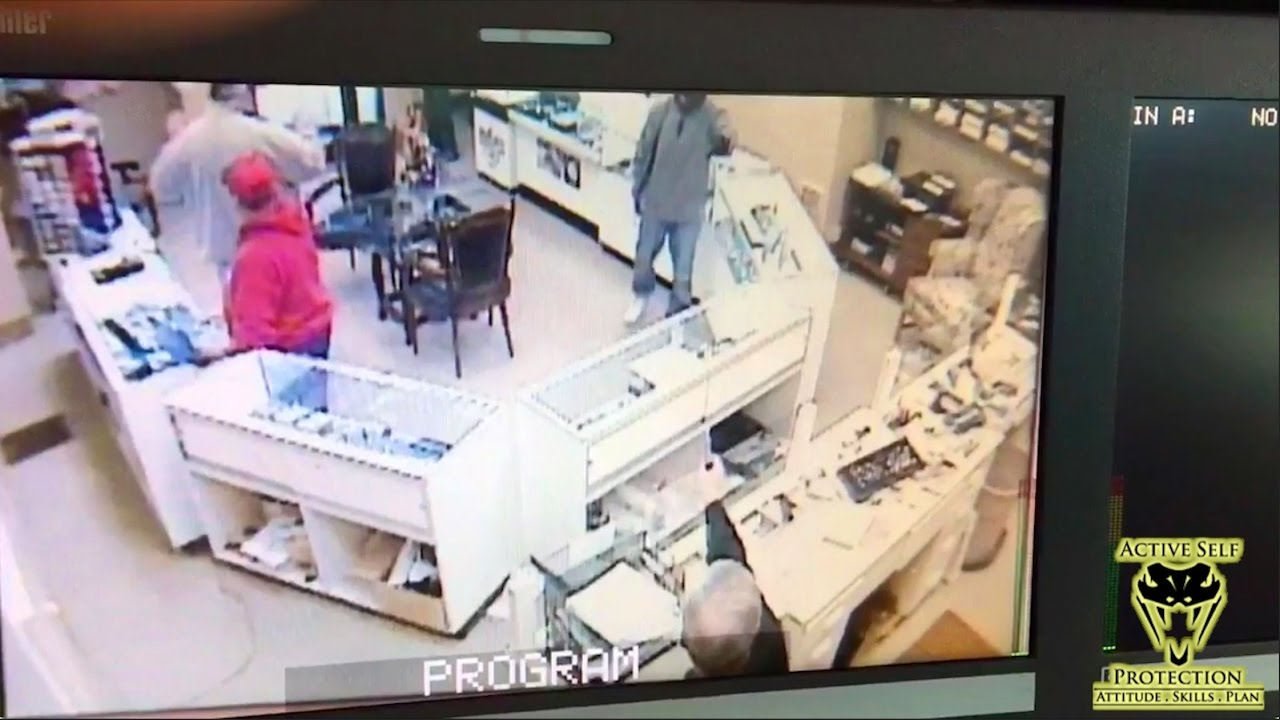 Good Guy Successfully Intimidates Armed Robber | Active Self Protection