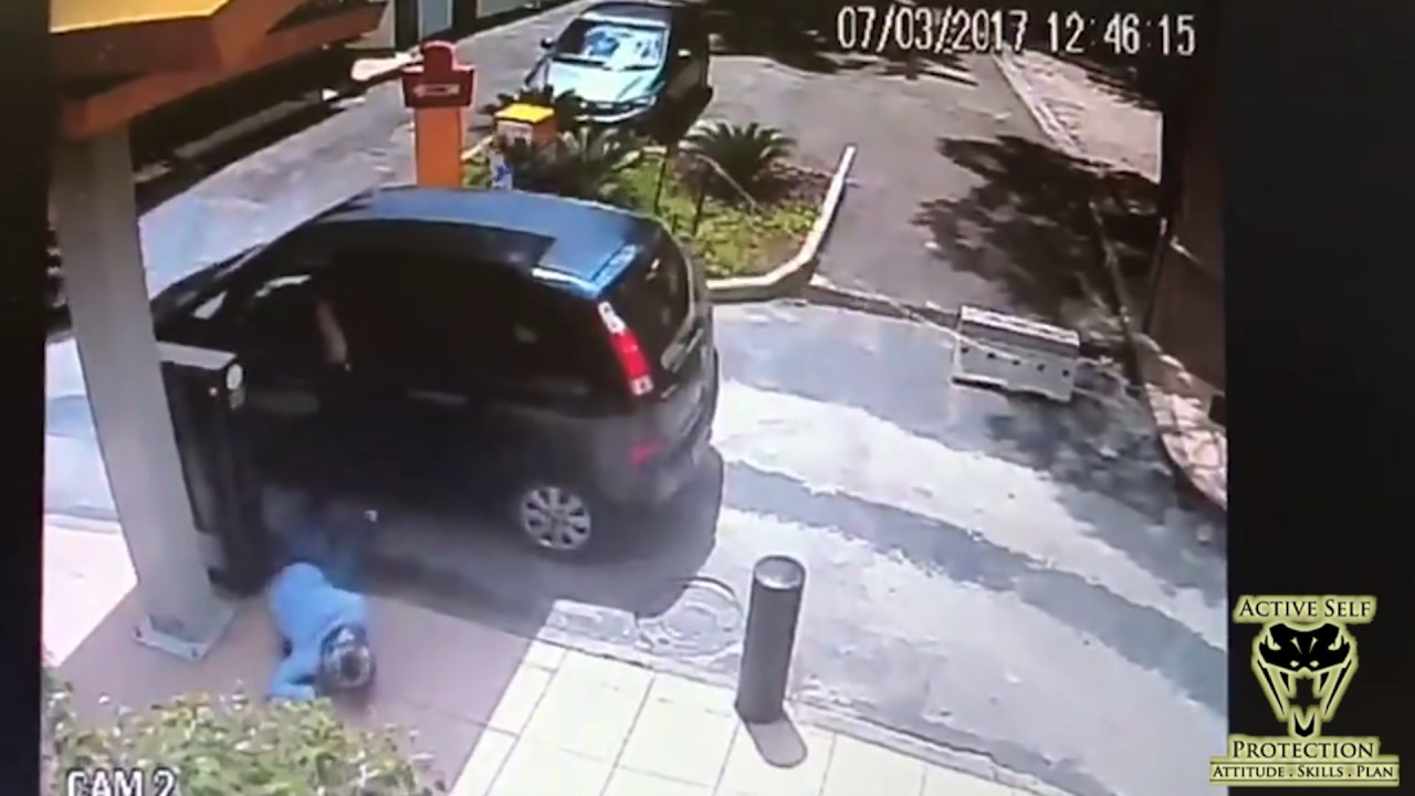 Armed Robber Gets Dropped   Active Self Protection