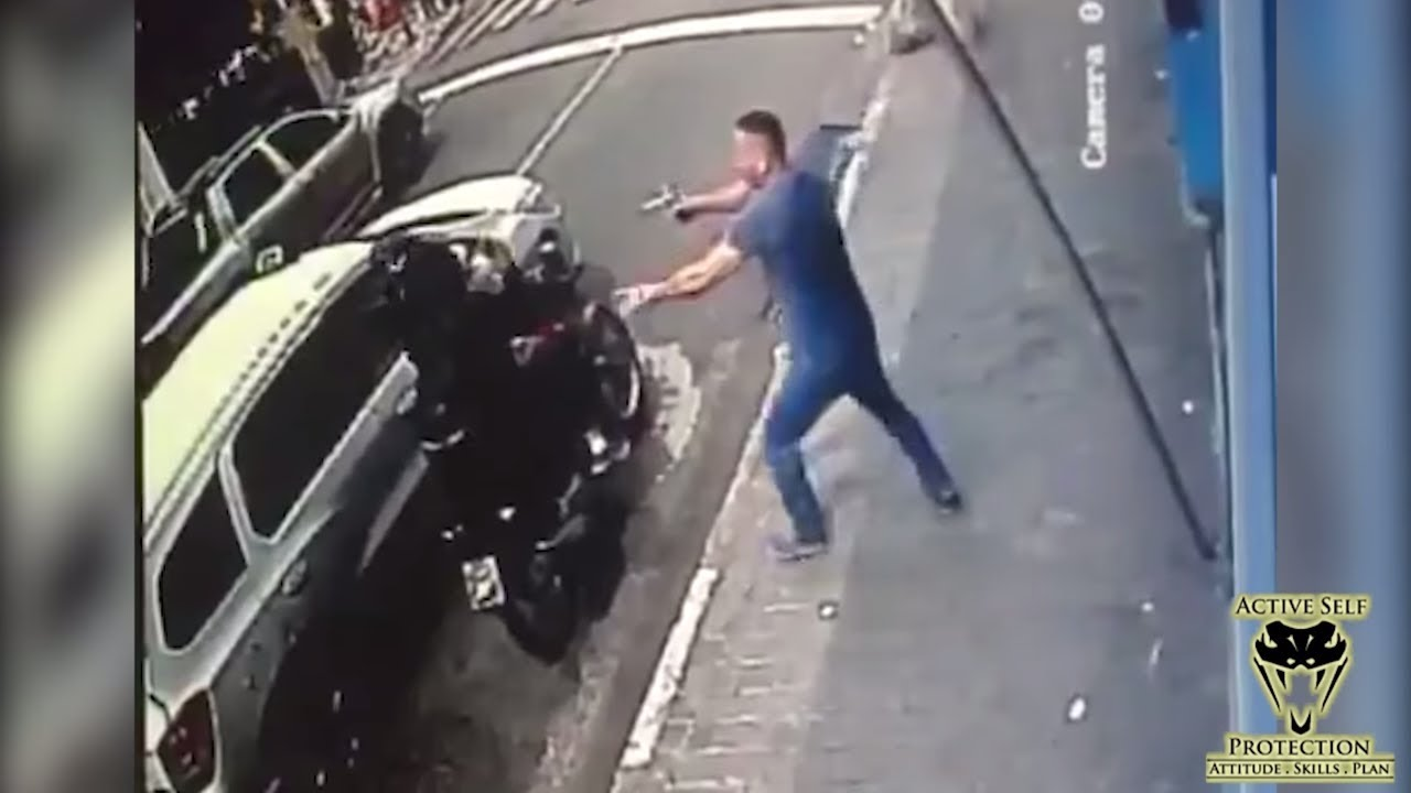 Off Duty Stops Moto Robber In the Best Way   Active Self Protection