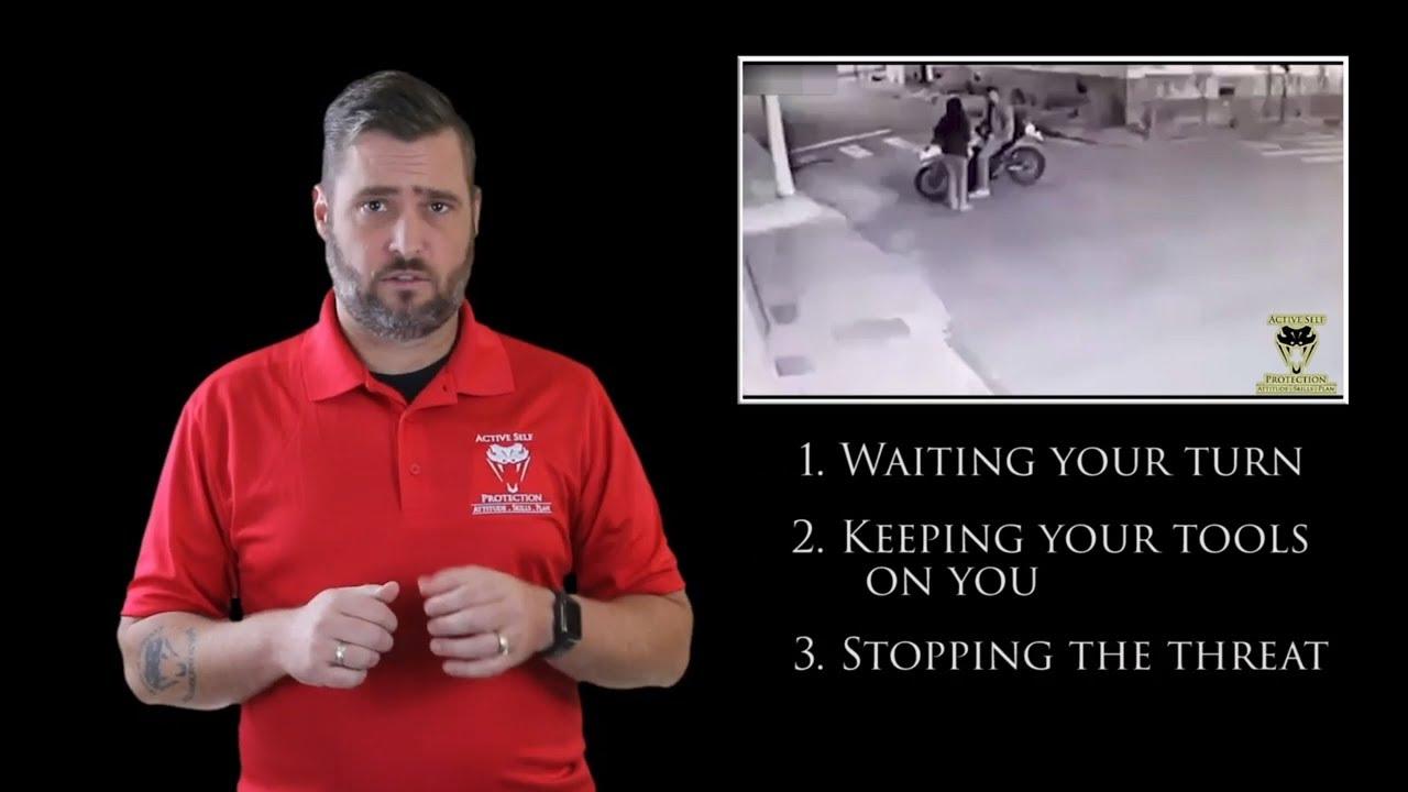 Moto Rider Cleverly Counter-Ambushes Bandit | Active Self Protection
