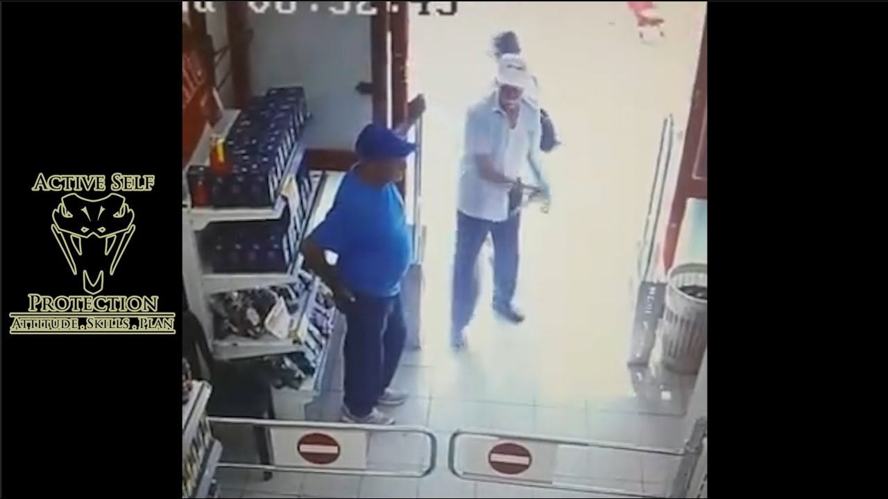 Knife Attack Against Security Guard Caught on Camera
