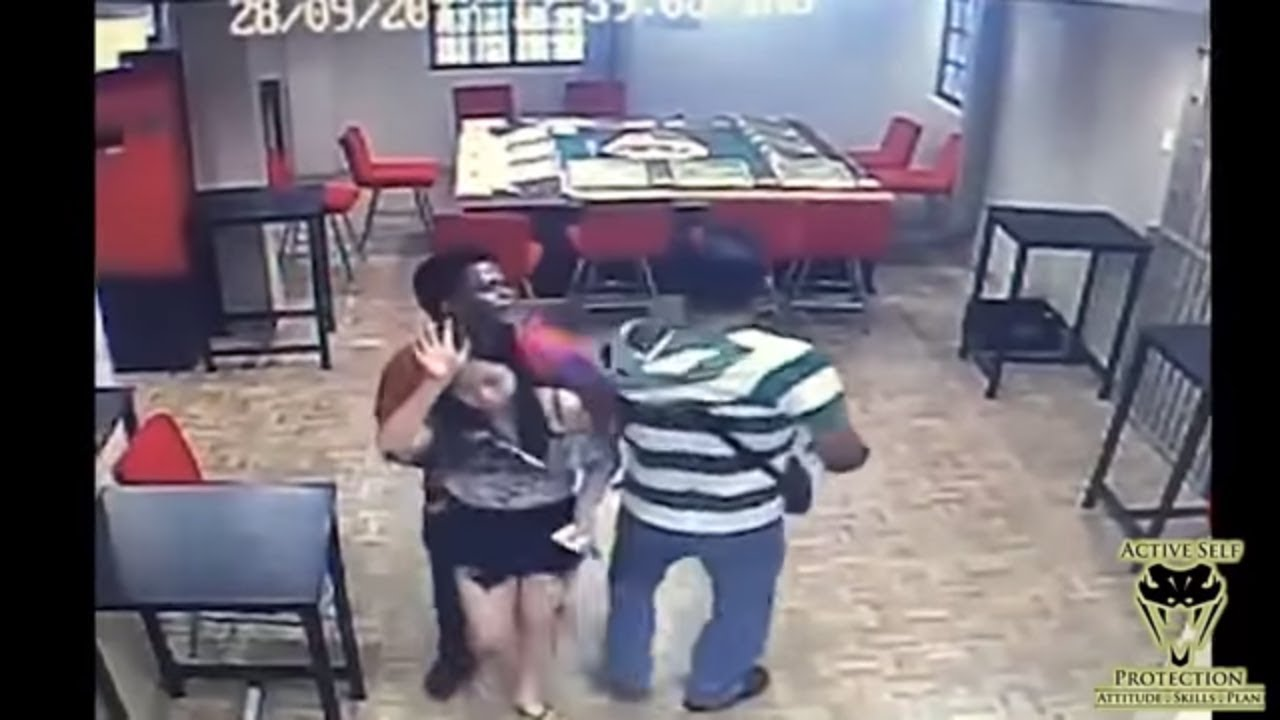 Purse Carry Almost Costs Victim (But He Handled His Business Anyway) | Active Self Protection