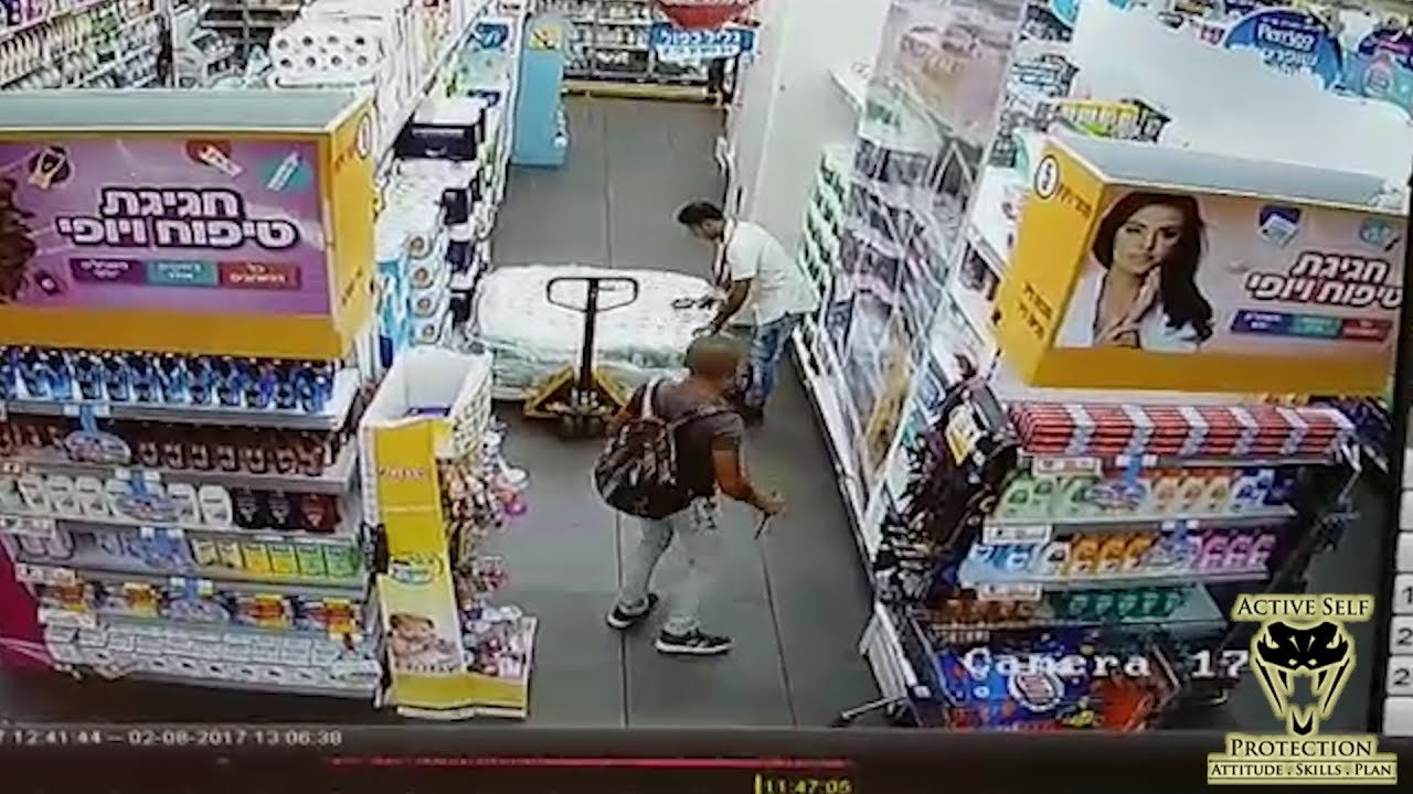 Supermarket Employee Attacked at Random | Active Self Protection