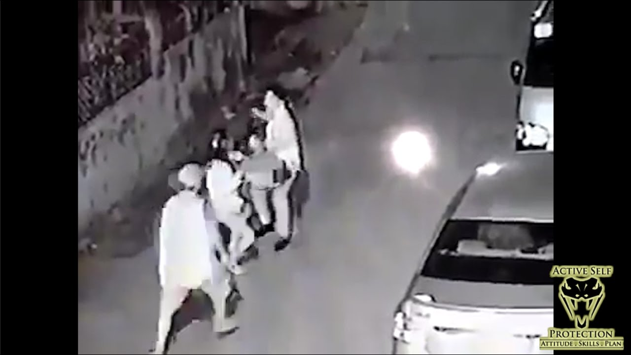 Mugging Turns Deadly While Bystanders Look On