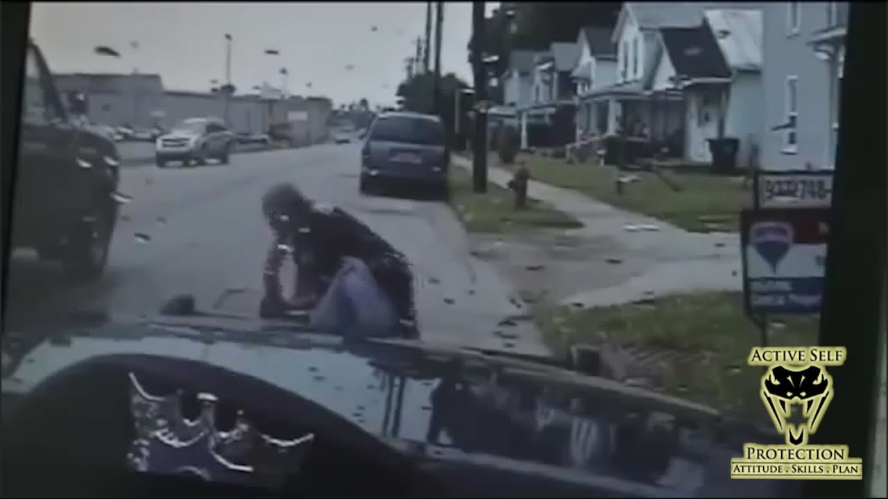 Good Samaritans Help Officer Subdue Suspect