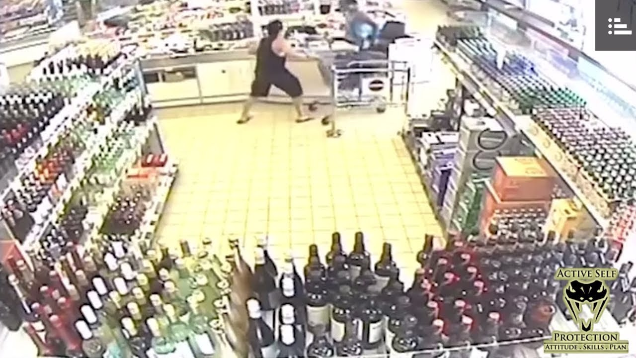 Bystanders Stop Robber With Bat   Active Self Protection