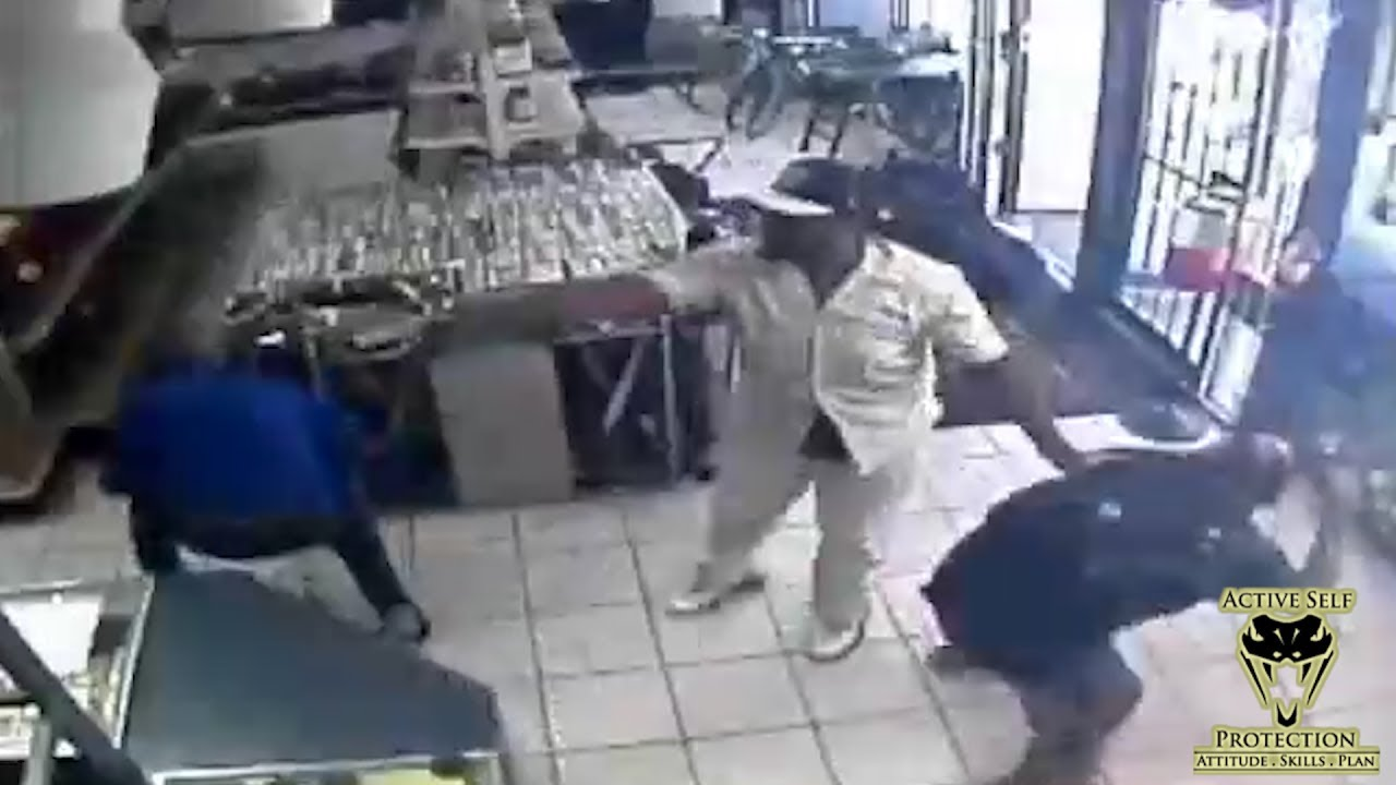 Pawn Shop Robbers Threatens Bystanders | Active Self Protection