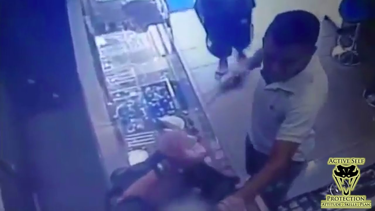 Victim Grabs Pistol from Armed Robber   Active Self Protection