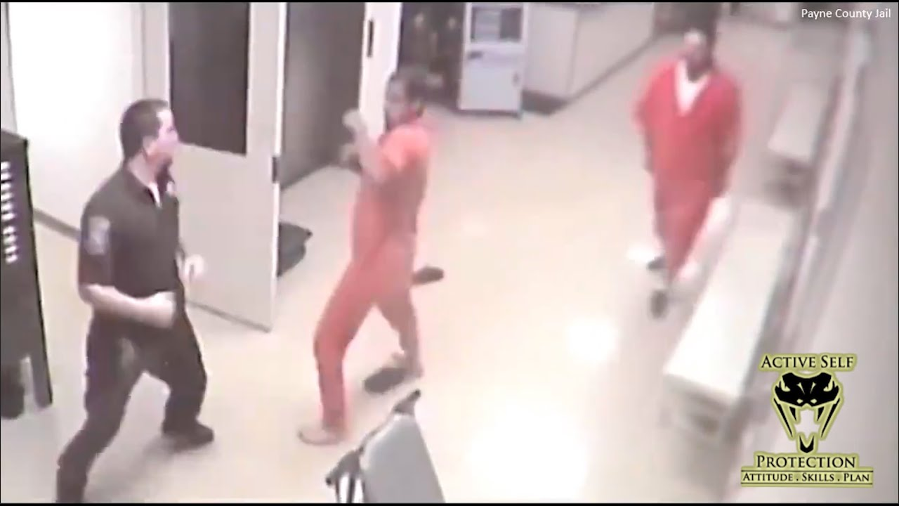 Inmate Helps Detention Officer During Attack