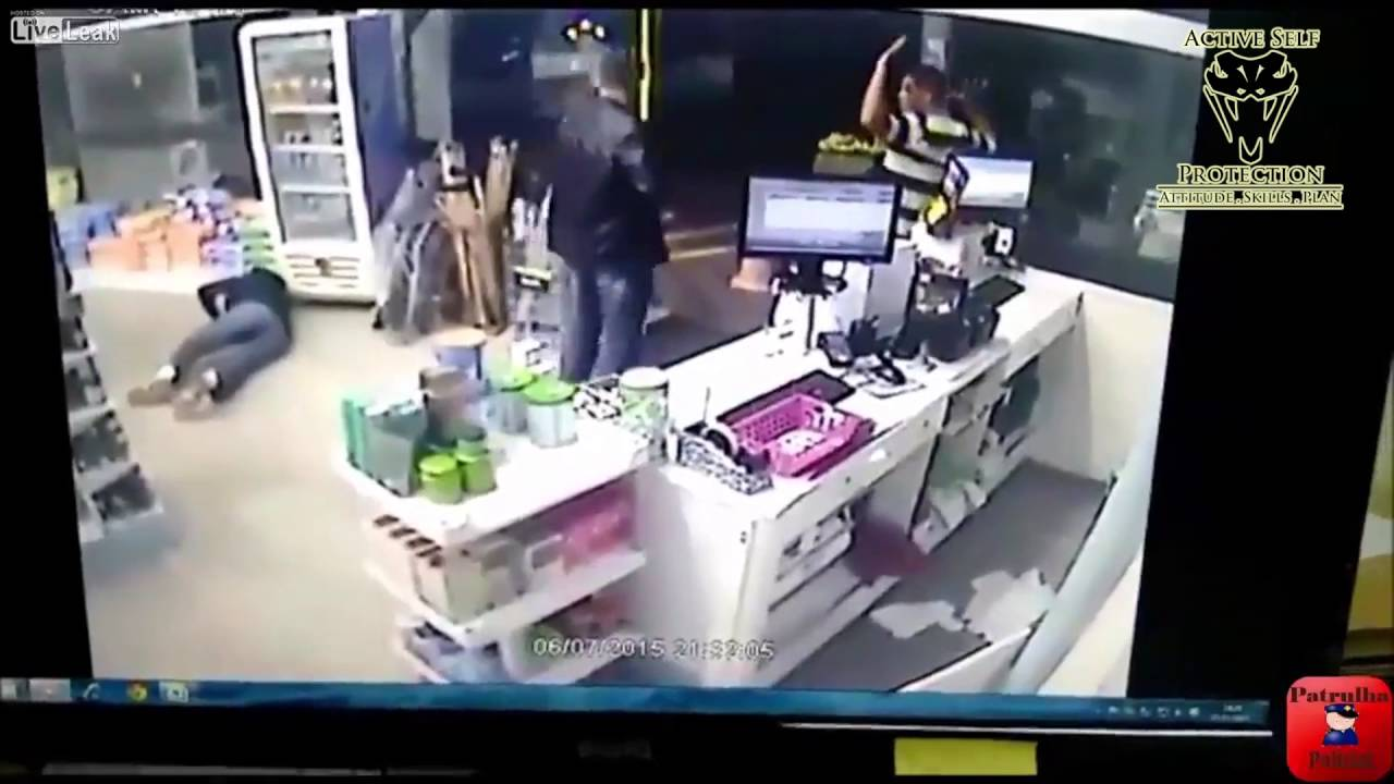 Off Duty Officer Shoots Armed Robber