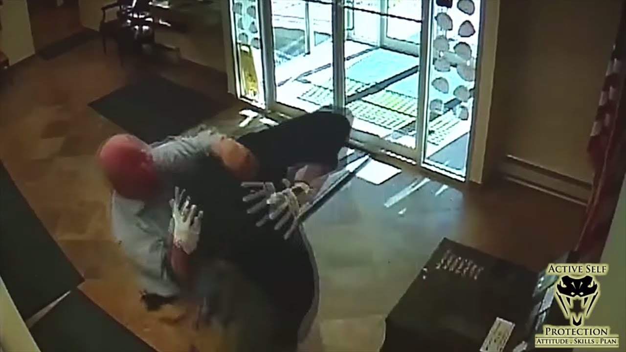Good Samaritan Takes Robber Down | Active Self Protection