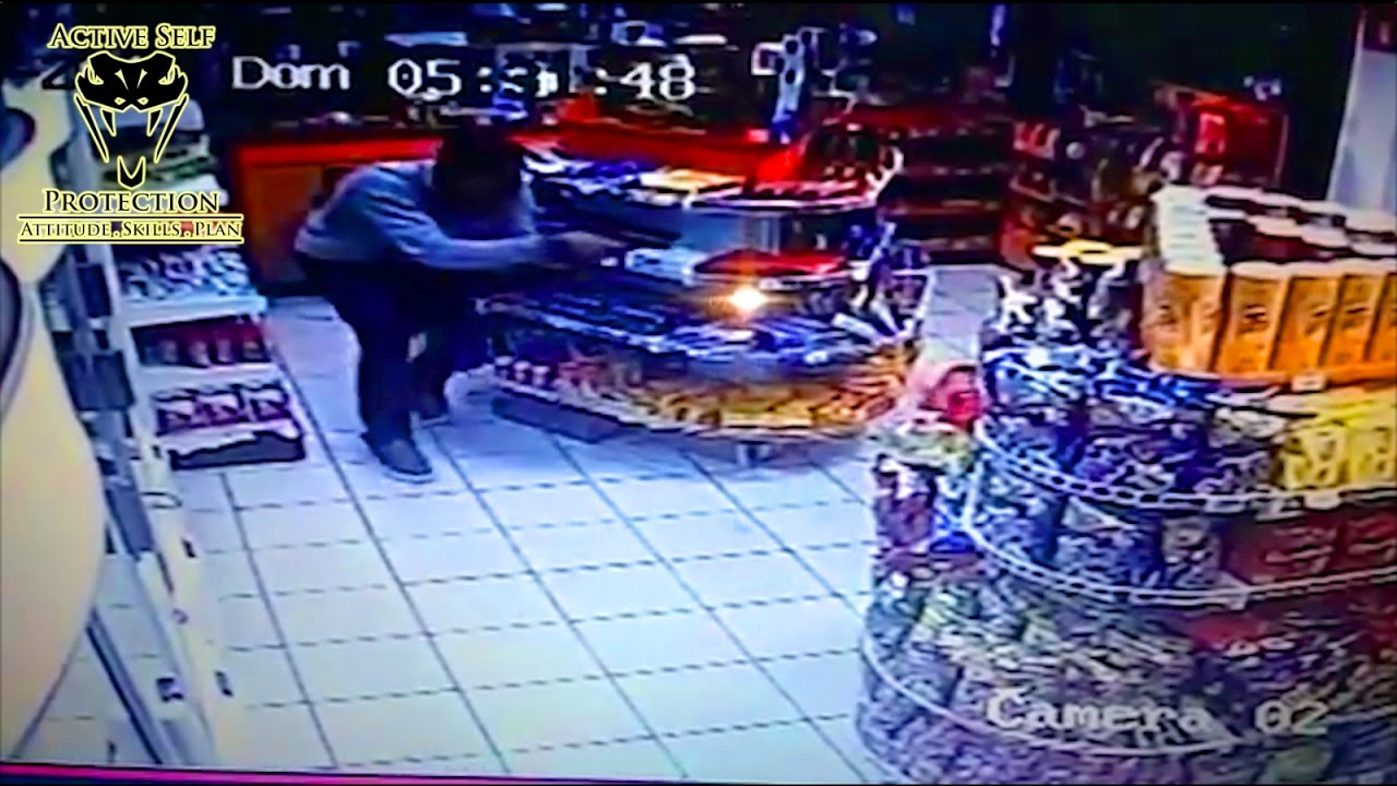 Off Duty Officer Perfectly Counter-Ambushes Armed Robber | Active Self Protection