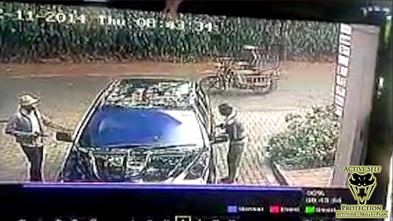 Car Helps Victims Escape Carjacking Attempt | Active Self Protection