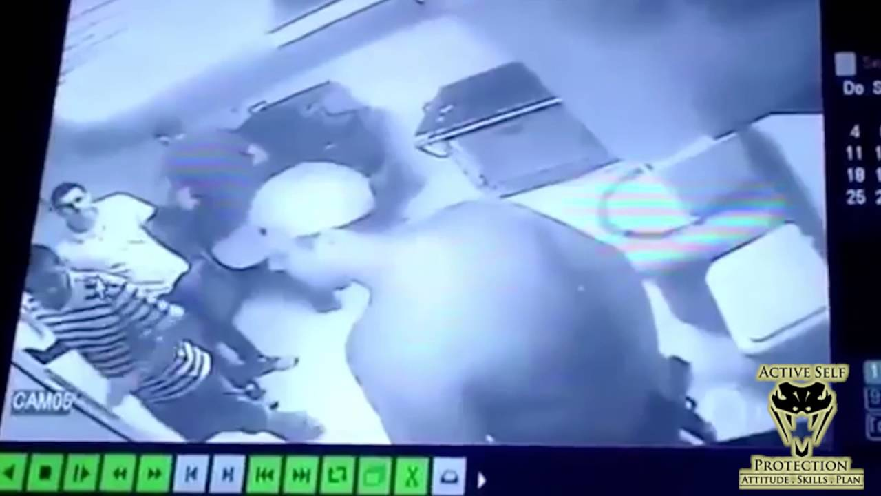 Off Duty Cop Sets Effective Counter Ambush for Armed Robber