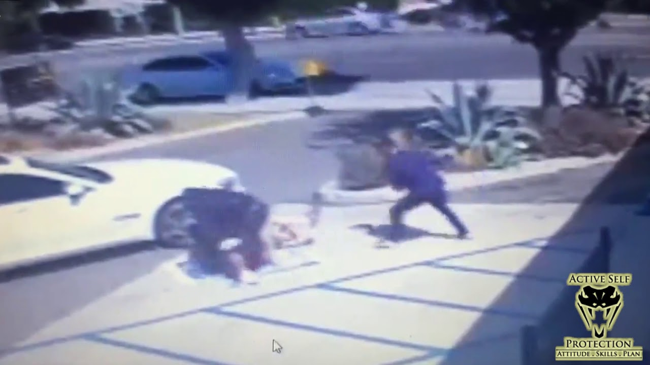 Bystanders Rescue Distracted Man   Active Self Protection