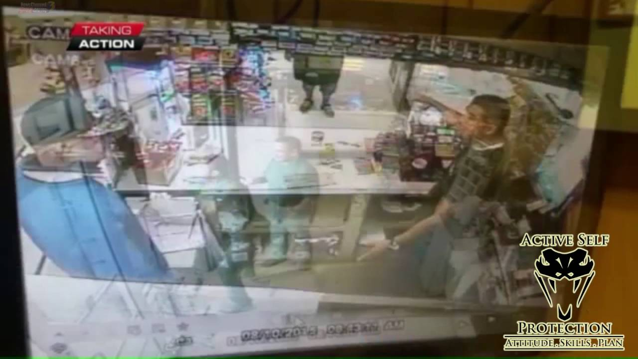 Clerk fights Machete Wielding Armed Robber