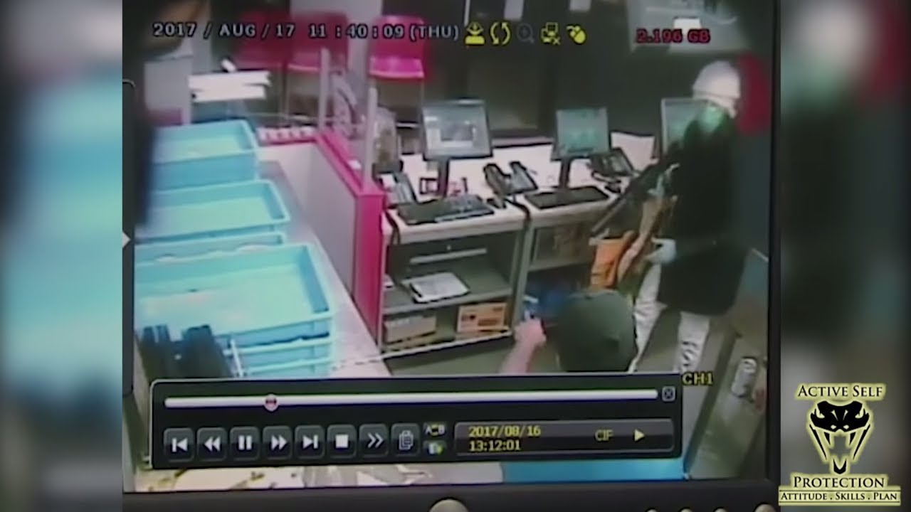 Canadian Clerks Stop Robber Cold | Active Self Protection
