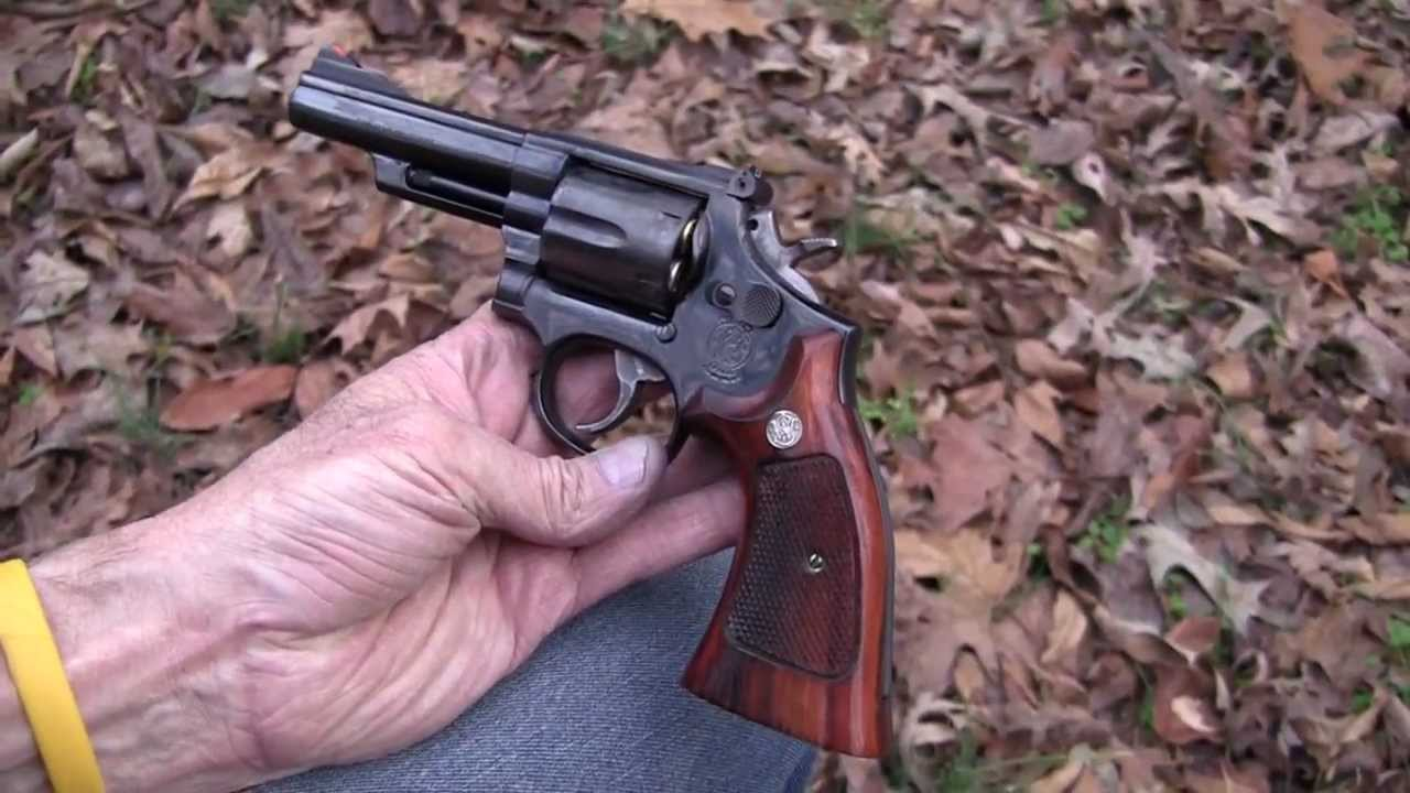 Model 19-5  S & W  .357 Magnum  (Close-Up)