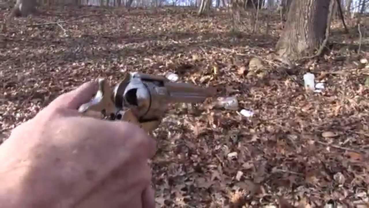 .45 Colt Uberti Cattleman  Close-up
