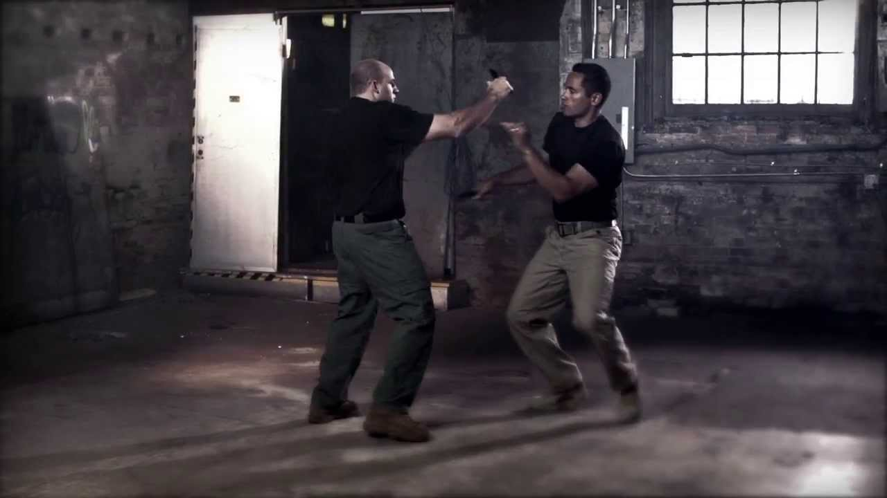 Jared Wihongi -- Edged Weapon Expert -- Browning Pro Staff video