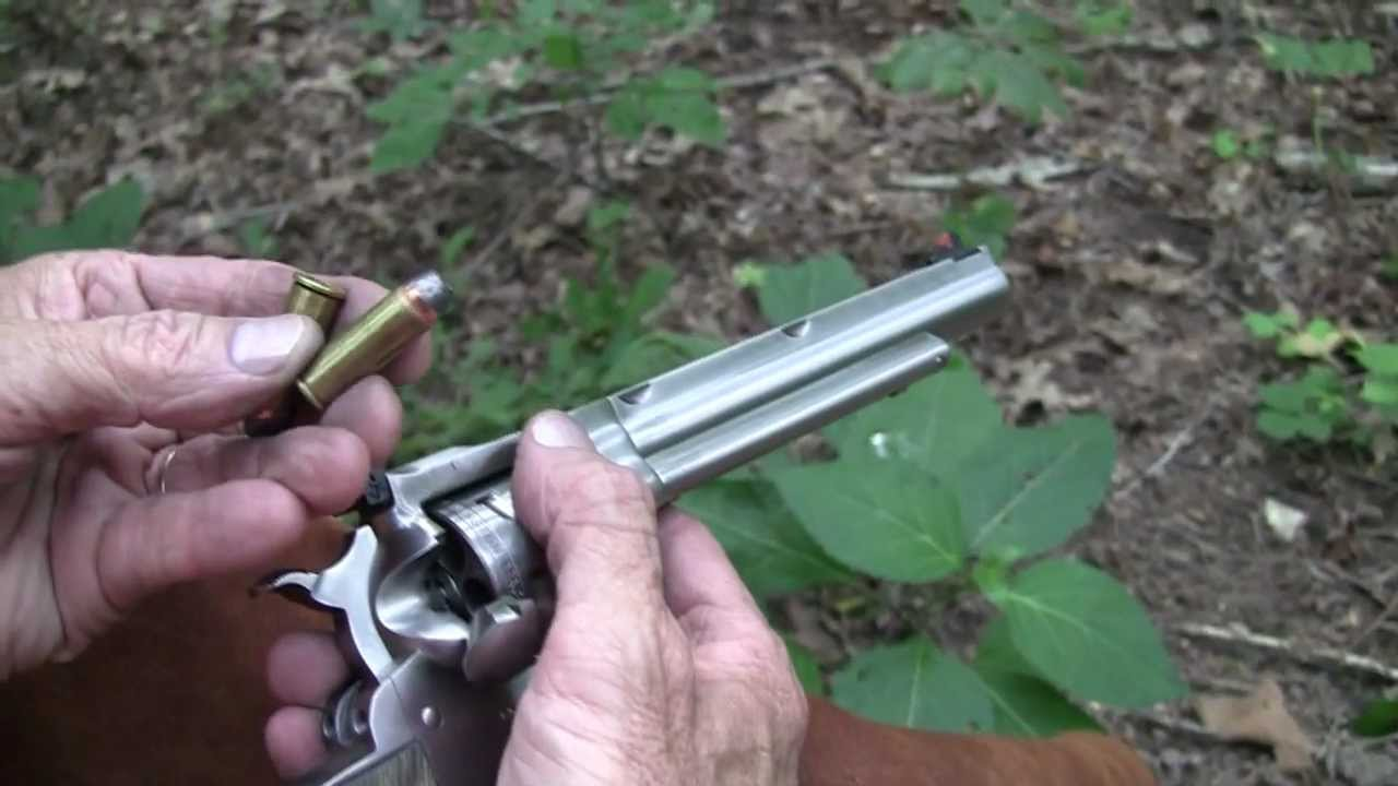 Ruger Super BlackHawk Hunter .44 Magnum  ( Close-Up)