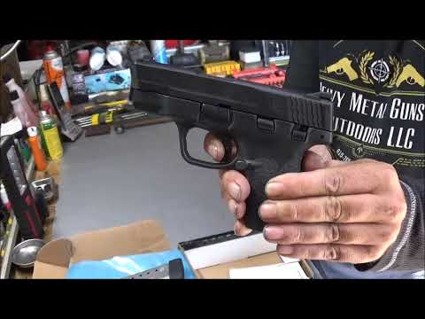 Smith & Wessom M&P Shield M2 0 45 Review & Shoot