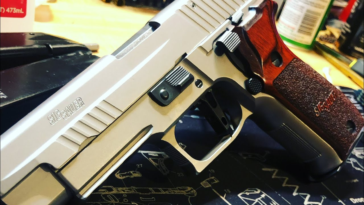 Sig P226 Elite Stainless Tabletop and Shooting Review