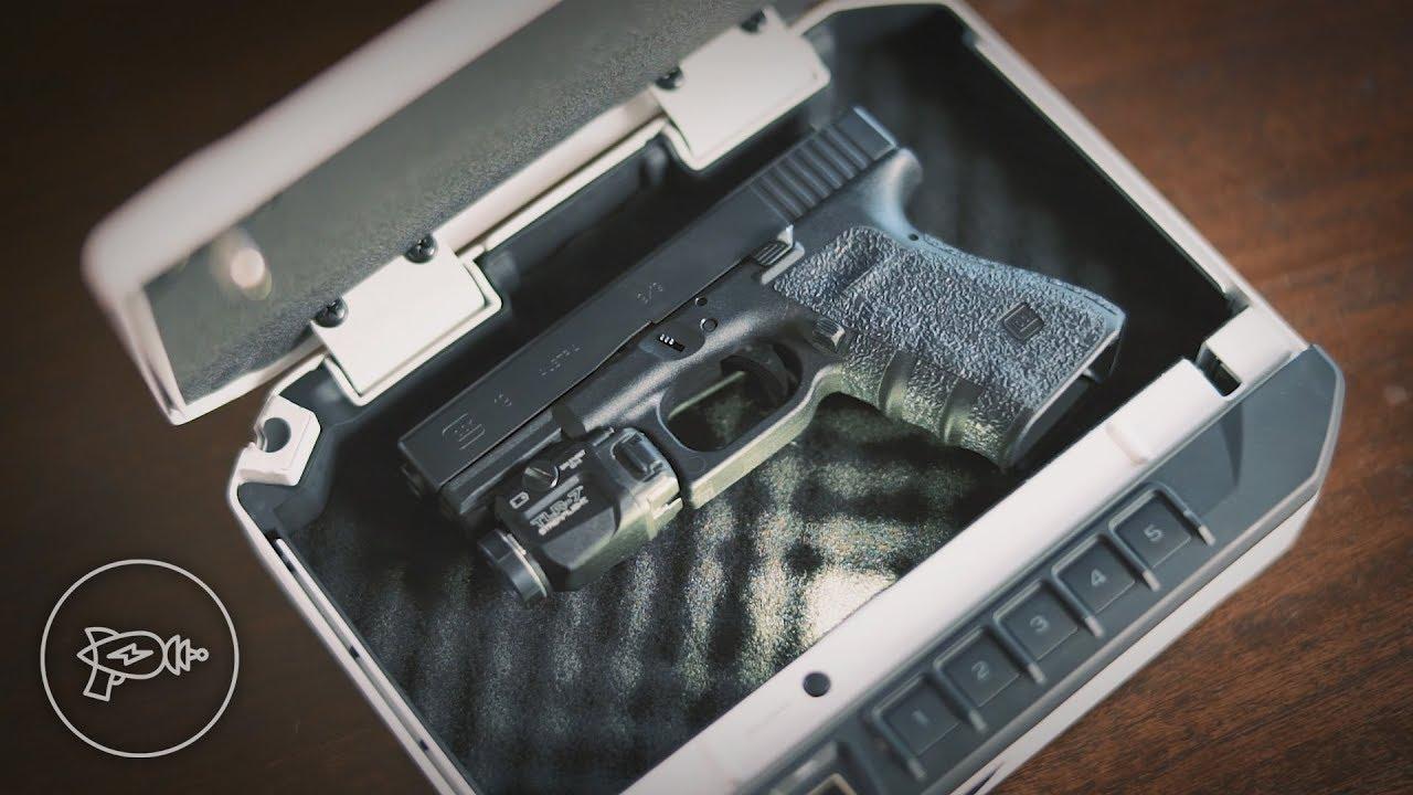 Best Handgun Safes for Bedroom Quick Access [Review]