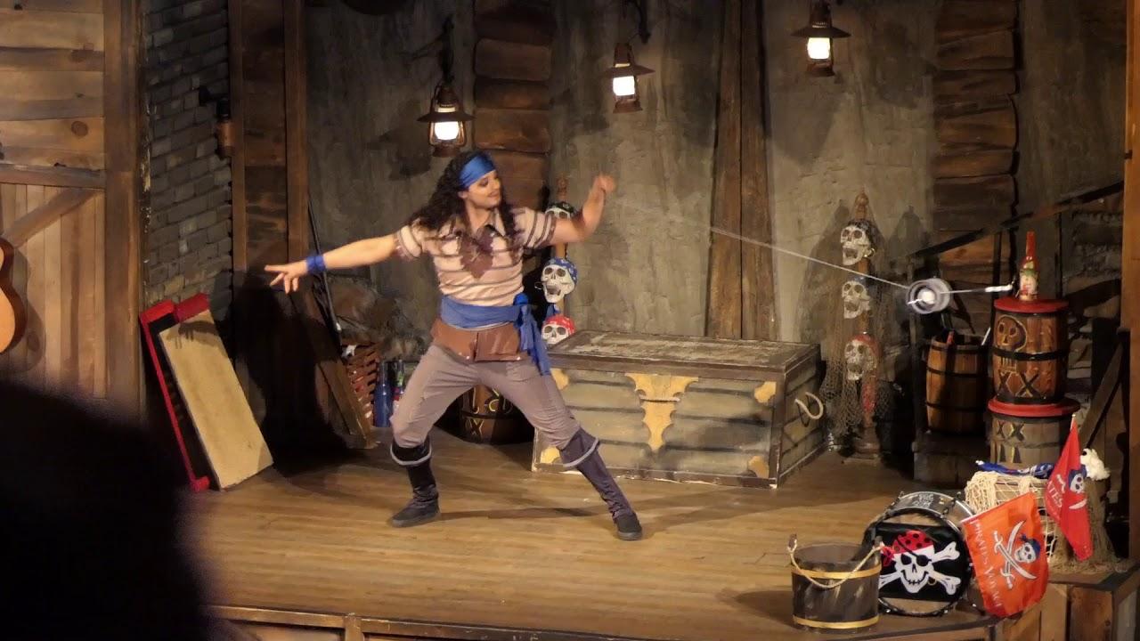 Pirates Voyage - Acrobat-2