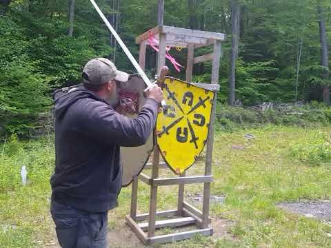 Krumphau left side in sword and shield combat