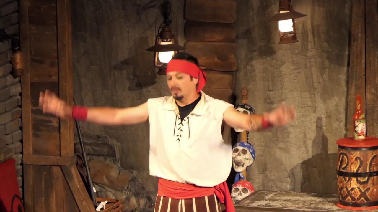 Pirates Voyage - Acrobat
