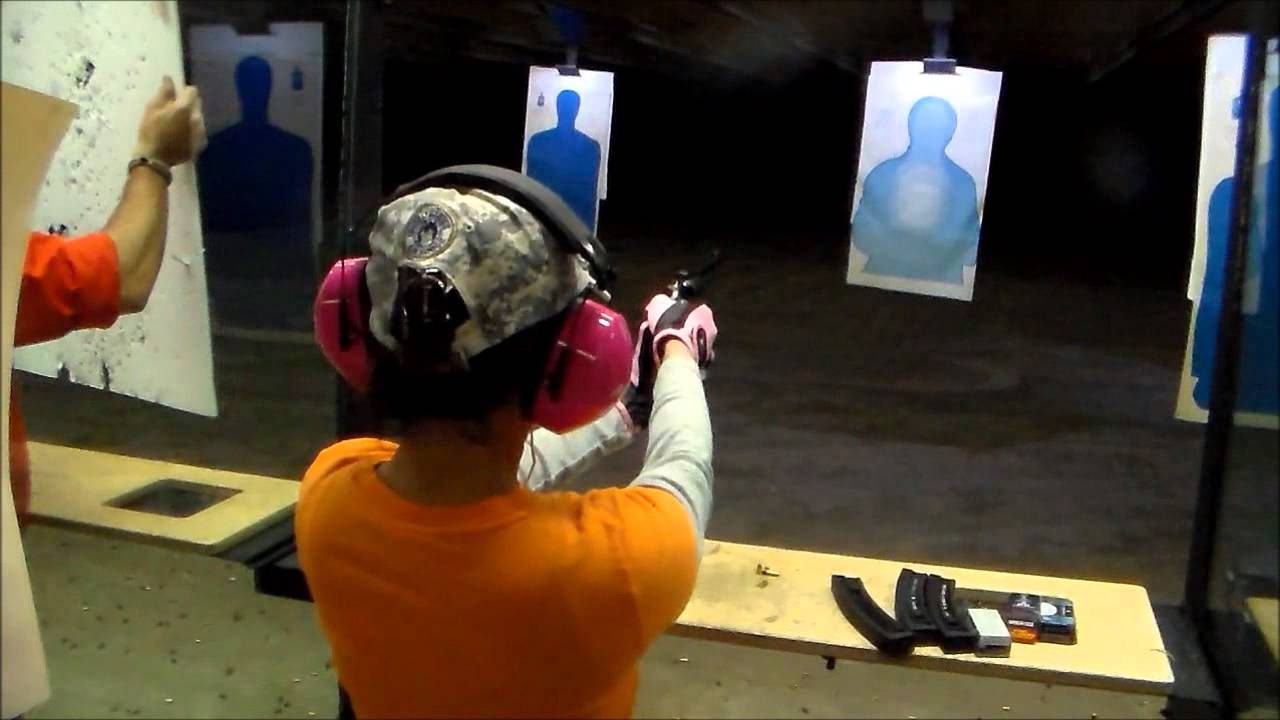 22 MAGNUM SINGLE SHOT REVOLVER SHOOTING