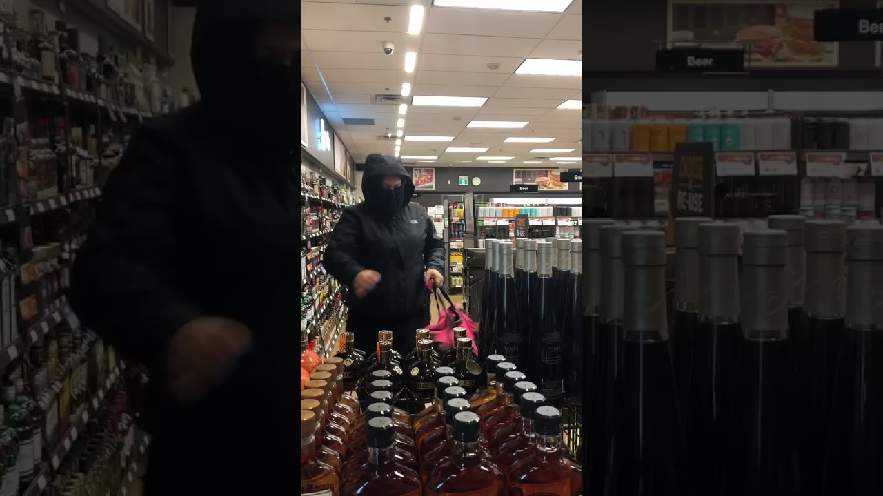 Multiple Shop Lifters - What would you do? #concealedcarry